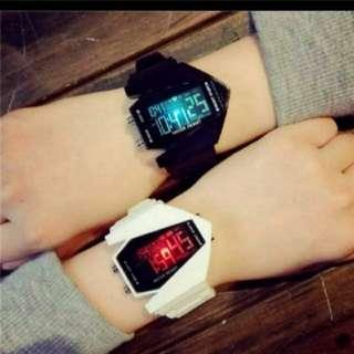 (2隻/2pieces) 戶外旅行運動男女夜光生活防水手錶 (田亮推廣系列) (包Buyup自取站取貨) (General Water Resistance LED watch)