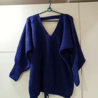🚚 前V後V後綁帶寶藍色毛衣