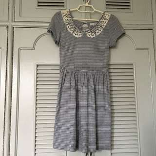 Cache Cache Gray Dress with lace details