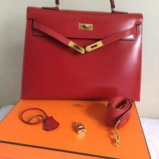 Pre-loved Hermes Kelly (Class Bag in Red)