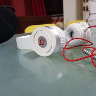 Selling my authentic beats solo 1  pm your offers