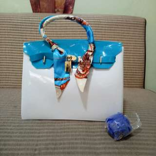 Beachkin with sling strap