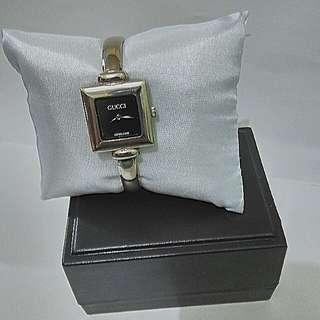 Reprice! Gucci Bangle Watch Silver