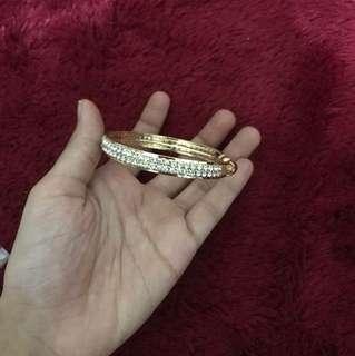 acesoris gelang wanita