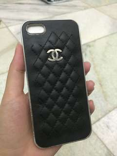 Black Chanel iphone 5/5s case