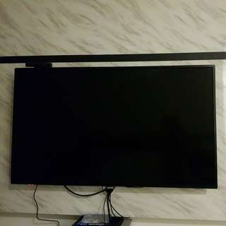 Selling 55 inch Ultra HD Philips LED TV
