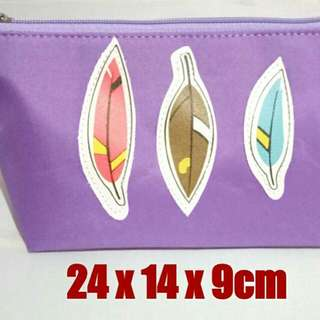 Cosmetic pouch no brand