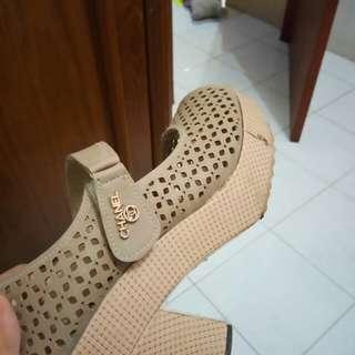 Sepatu sandal wanita chanel
