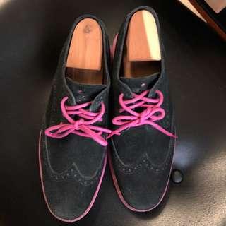 Cole Haan Lunar Grand Wing Tip 9.5W Black Suede Pink