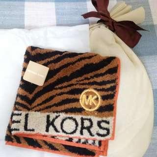 Michael Kors handkerchief 手巾