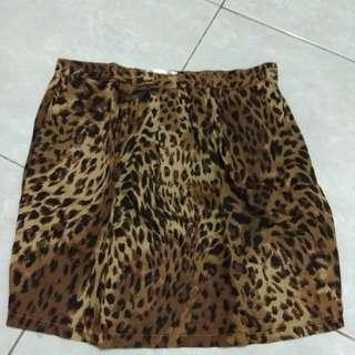 Preloved Leopard Skirt