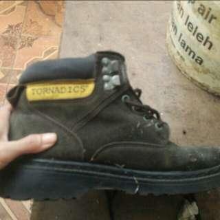 sepatu IMPOR
