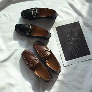韓國百搭復古金屬環淺口pu皮平底鞋