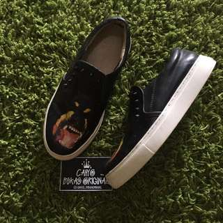 GIVENCHY SLIP ON DOGS