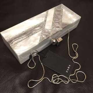 Zara 貝殼紋盒型晚宴包 宴會包 跑趴包 手拿包 肩背包 側背包  時尚造型包 硬殼包 珠鏈包~iPhone8 可放