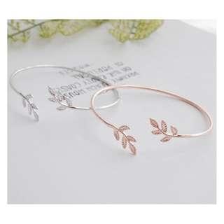 leaf bracelet wrist rose gold
