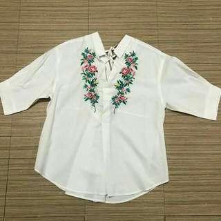 Embroidered V neck Top