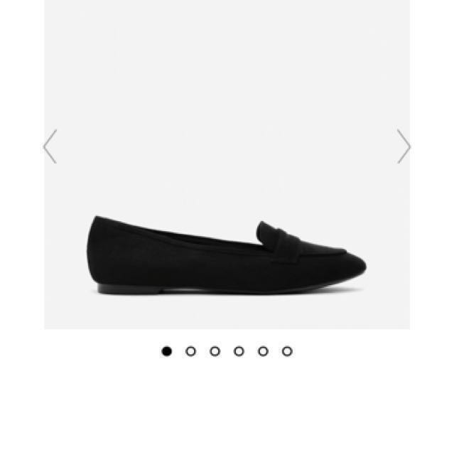 💕 Charles And Keith Basic Penny Loafers Black