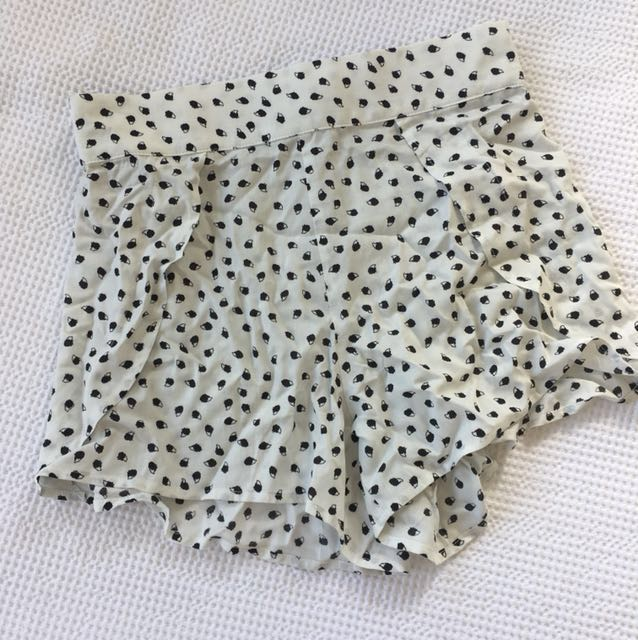 Amazon Shorts - Size 10