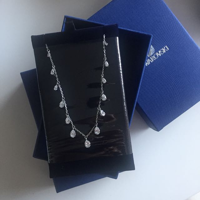 Authentic swarovski necklace new 2018 season
