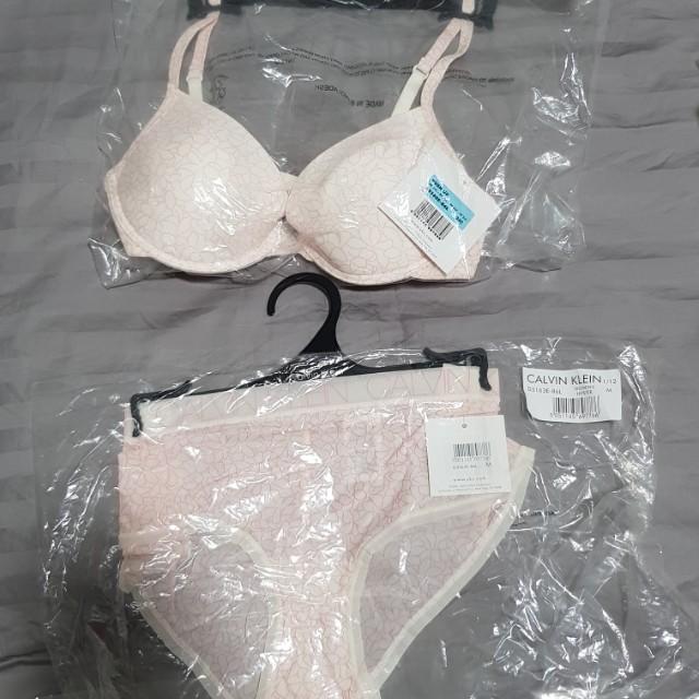 b8bc8a7ebd Brand new Calvin Klein Underwear Set (34C M) still in packaging ...
