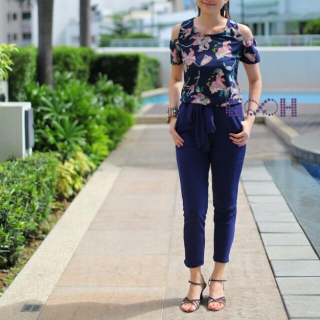 [Brand New] Floral off-shoulder sando blouse