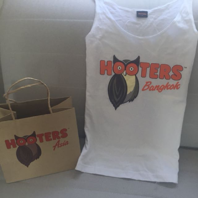 Brand New Hooters Singlet