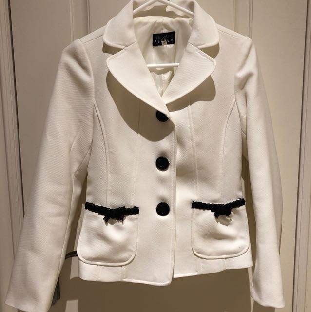 Chic white blazer