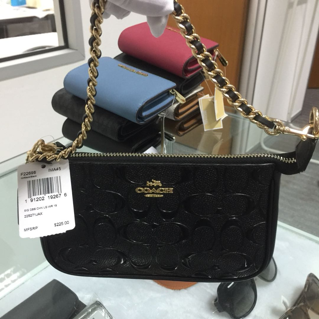 Coach Large Wristlet 19 With Chain Debossed patent leather black