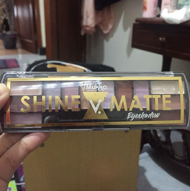 Eyeshadow Shine v matte