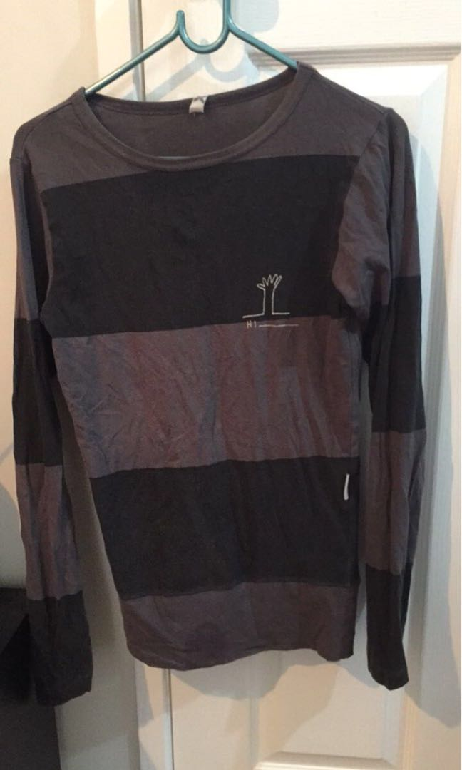 Federation long sleeve size s