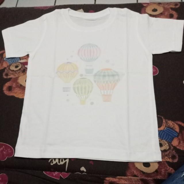 Kaos motif balon udara