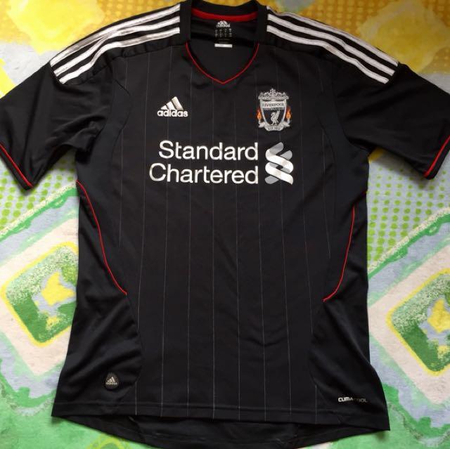 b8c78b970 Liverpool football jersey size M 100% original Adidas