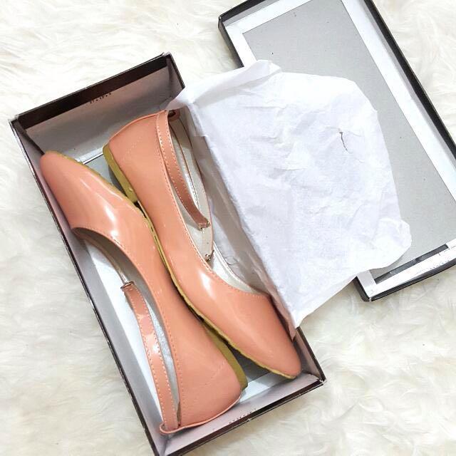 Peach Flatshoes