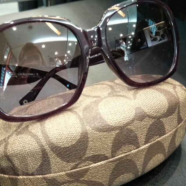 0b5630823c Preloved Coach sunglasses ( 100% authentic)