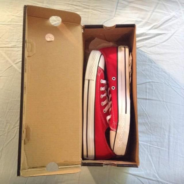 Red low top Converse - Brand new/unworn