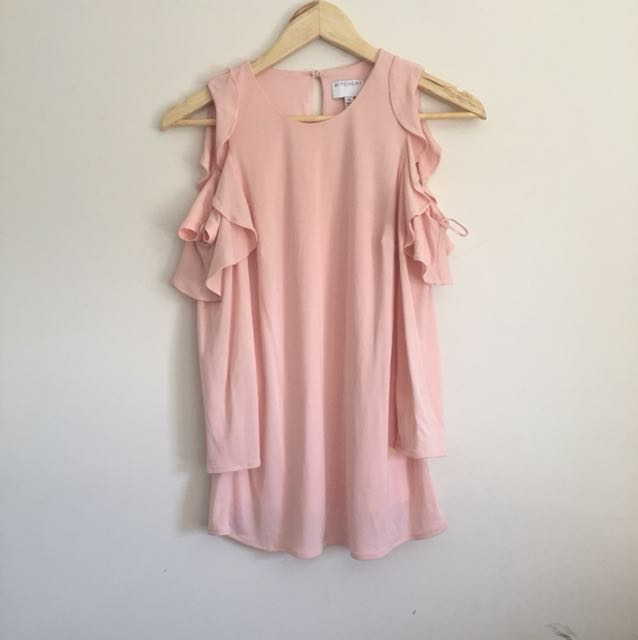 SALE: Witchery light pink top!