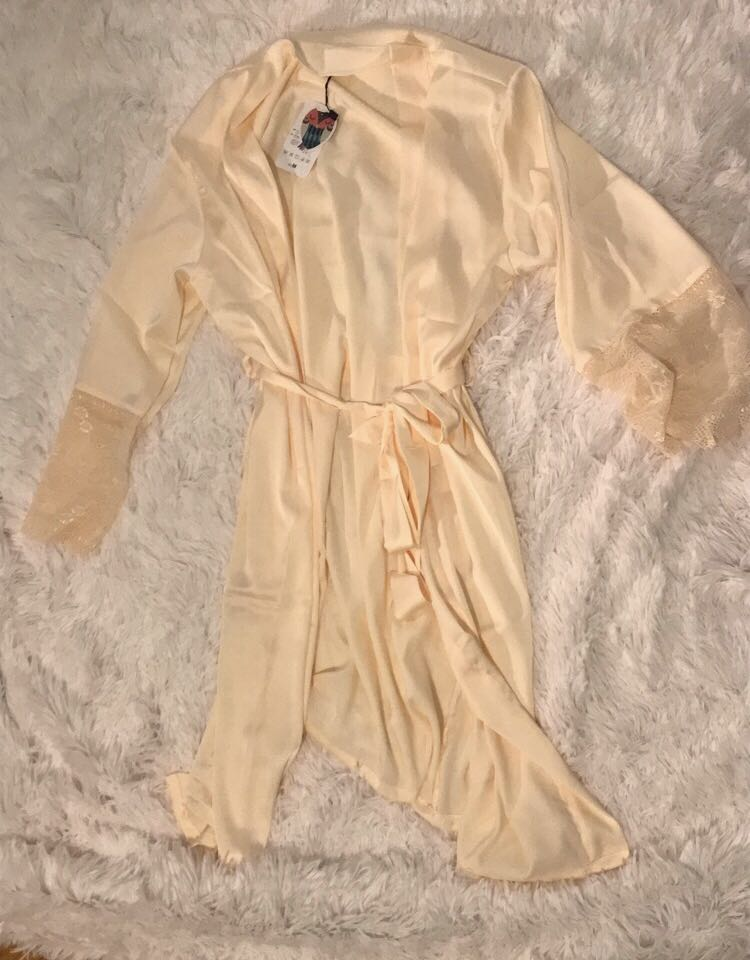Satin robe - new with tag