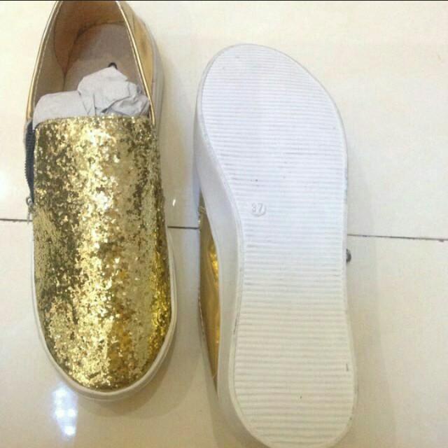 Sepatu blink gold f25ae5a21b