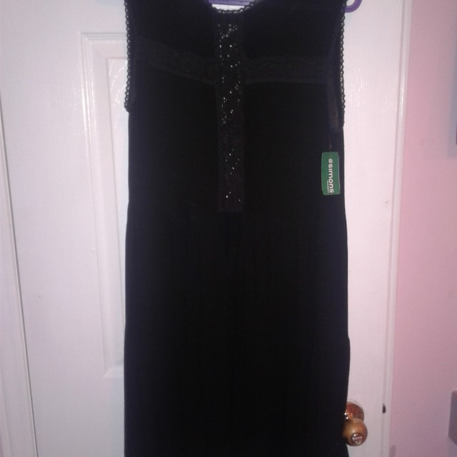 Short black dress size large