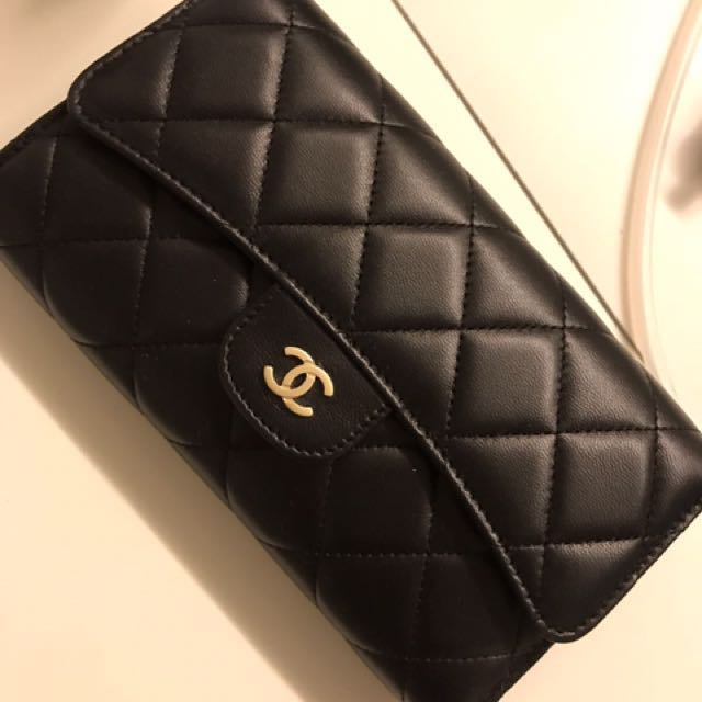 e8fa262f45194b Slashed Price) Chanel wallet, Luxury, Bags & Wallets on Carousell
