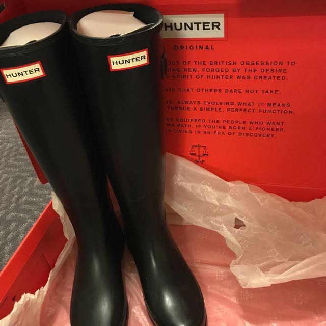 Tall Hunter Boots (Size 6)