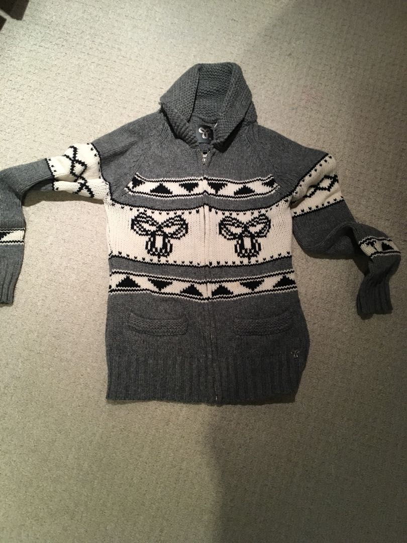 TNA sweater M
