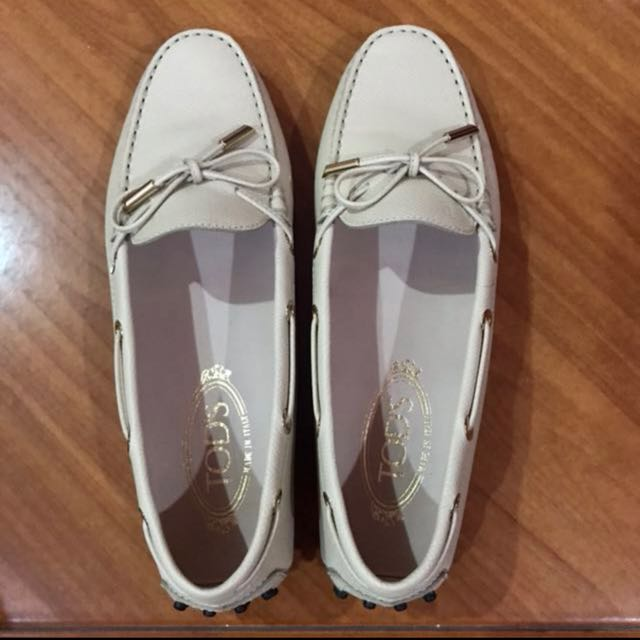 Tod's loafer nude female size 38.5 (NEW)