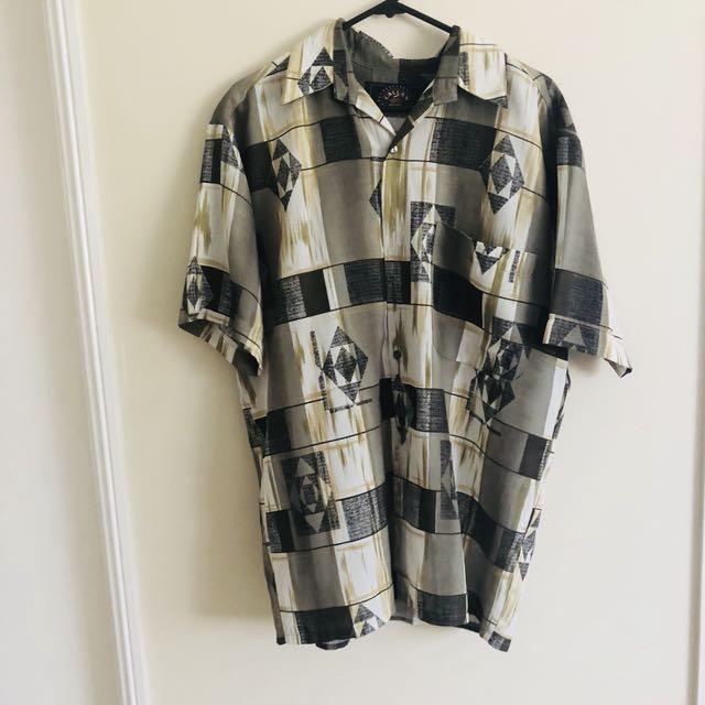 Vintage button up tshirt