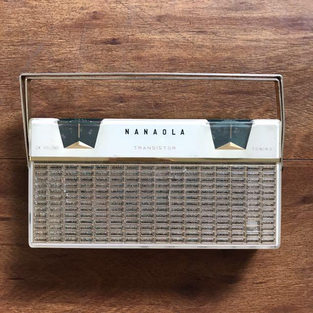 Vintage Nanaola 6 Transistor Radio