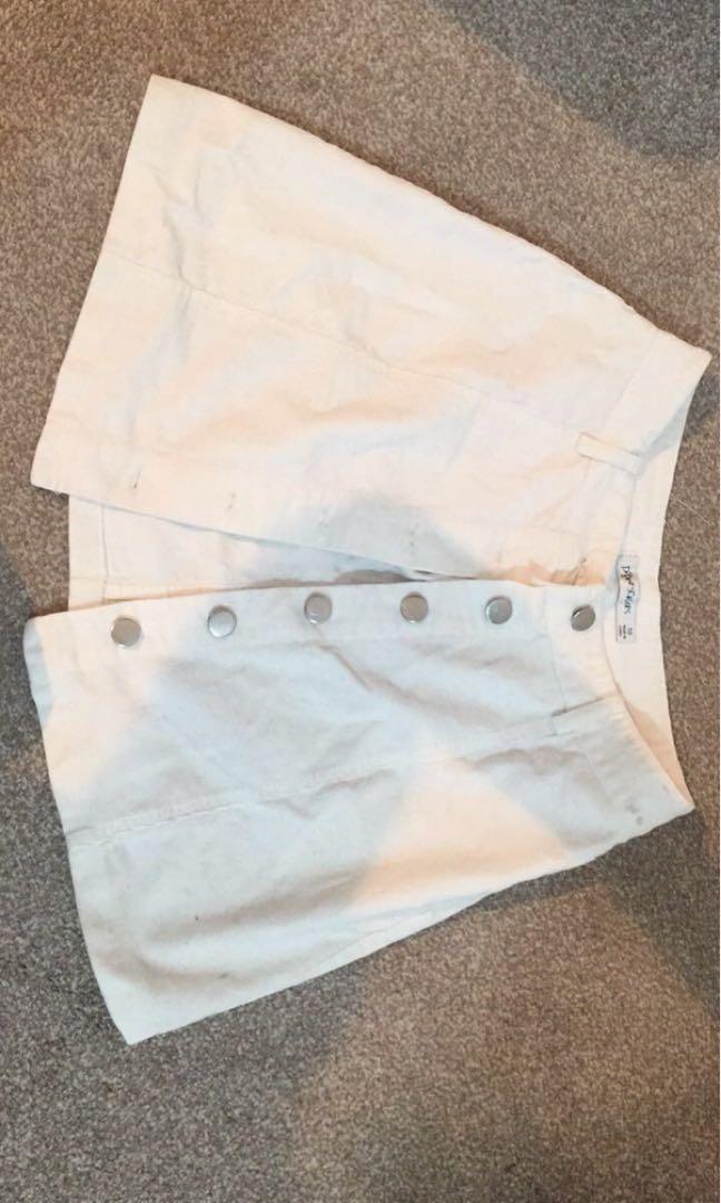 White button skirt size 8