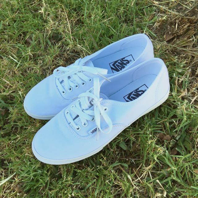 White Vans Shoes 8.5