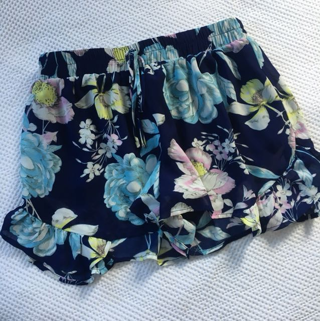 Wildpair Shorts - Size 6/8