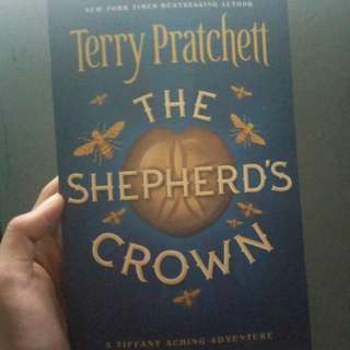 The Shepherd's Crown by. Terry Pratchette